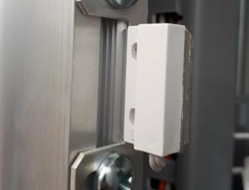 Sensores de abertura de portas para racks externos